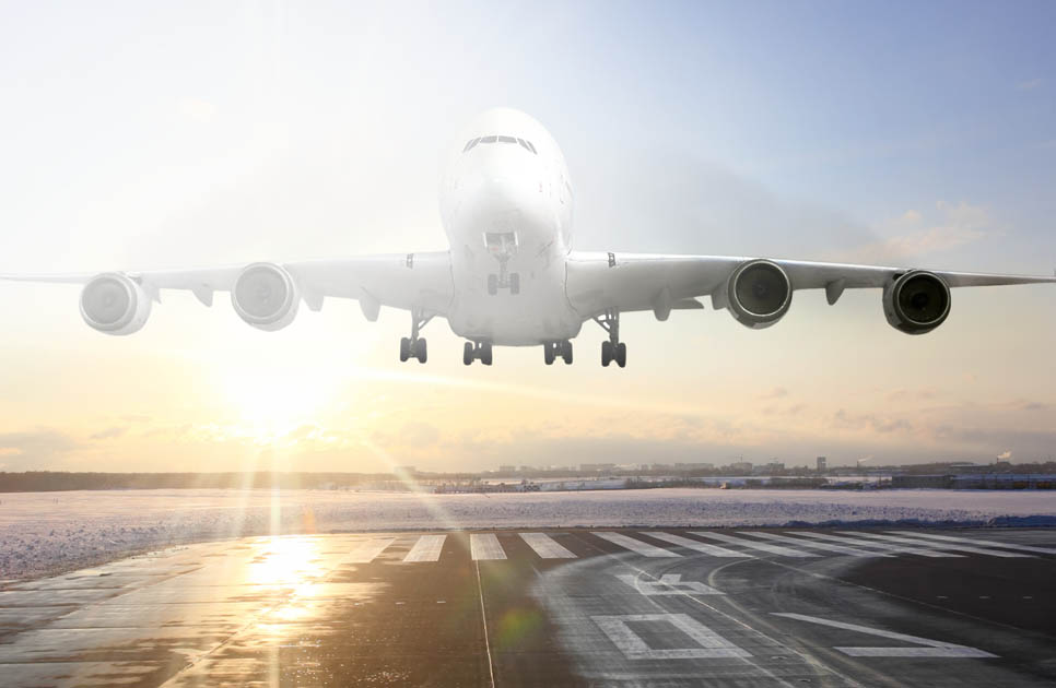 solid sodium formate-based de-icer for use on runways